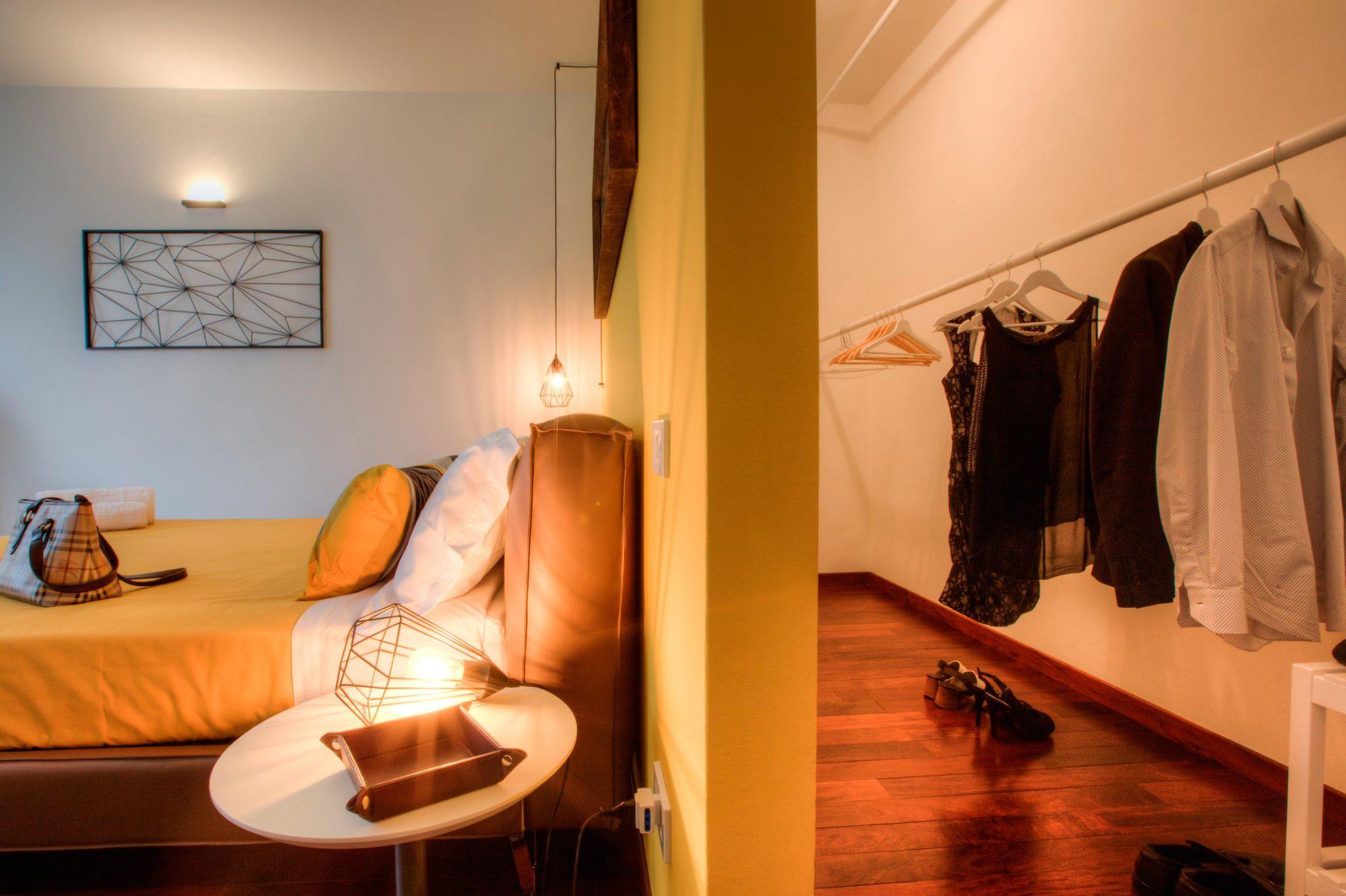 Sunflower Room - Maison il Melograno B&B