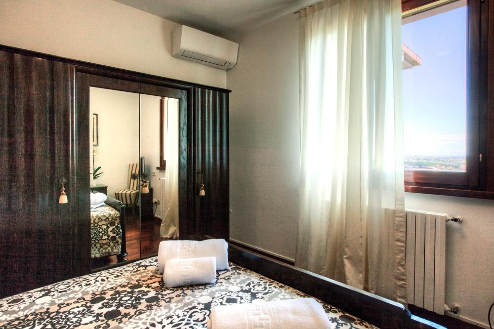 Elderberry Room - Maison il Melograno B&B